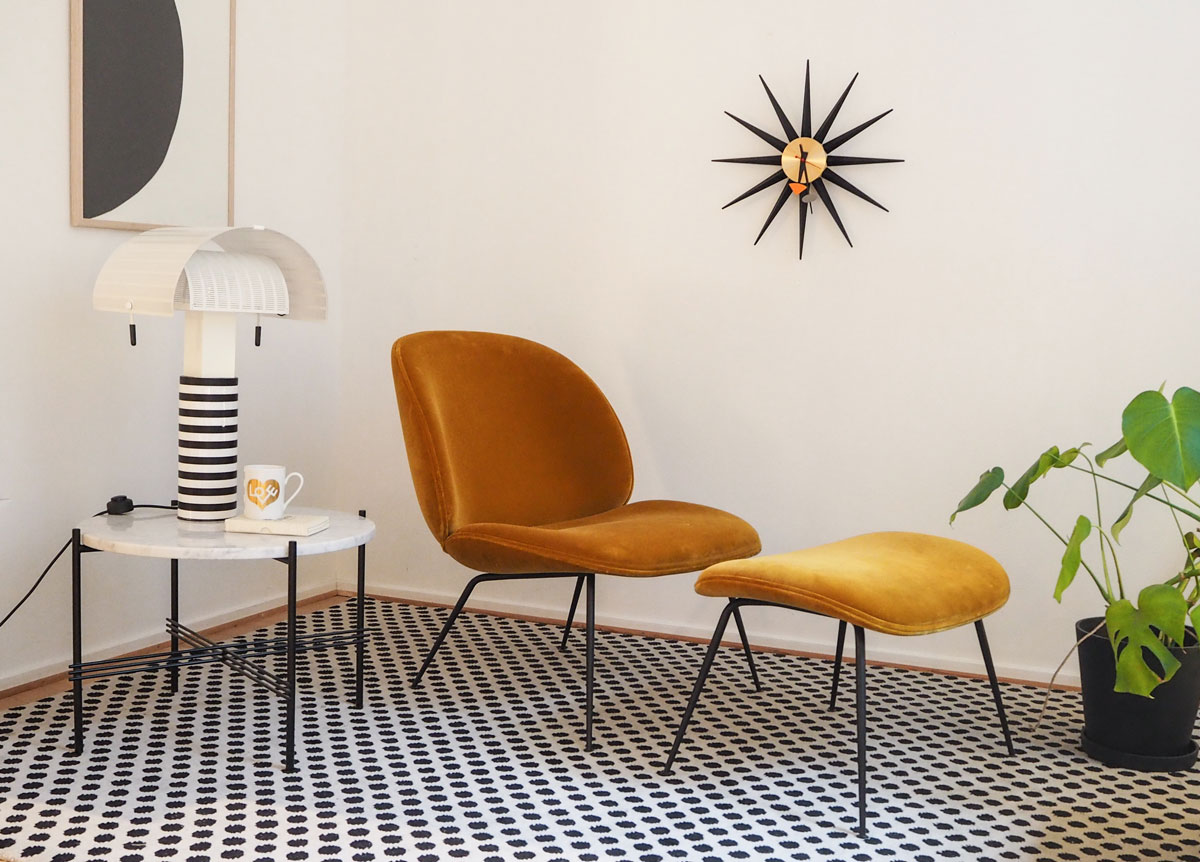 Gubi Beetle Lounge Chair och ottoman