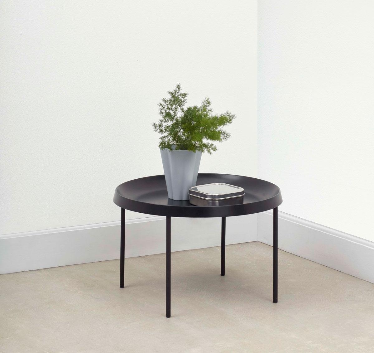 HAY Tulou Brickbord i svart färg av GamFratesi