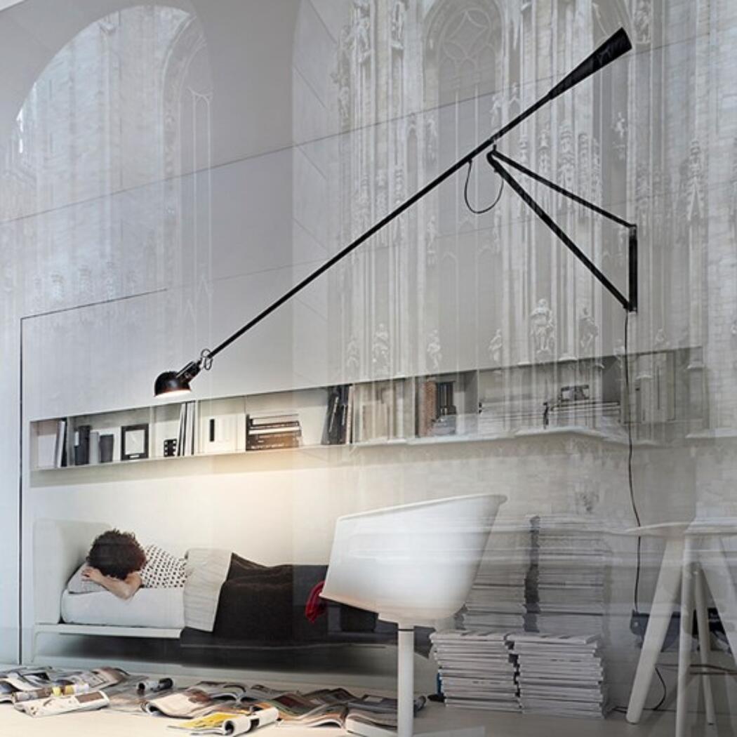 265 Vägglampa av Paolo Rizzatto från Flos | Olsson & Gerthel