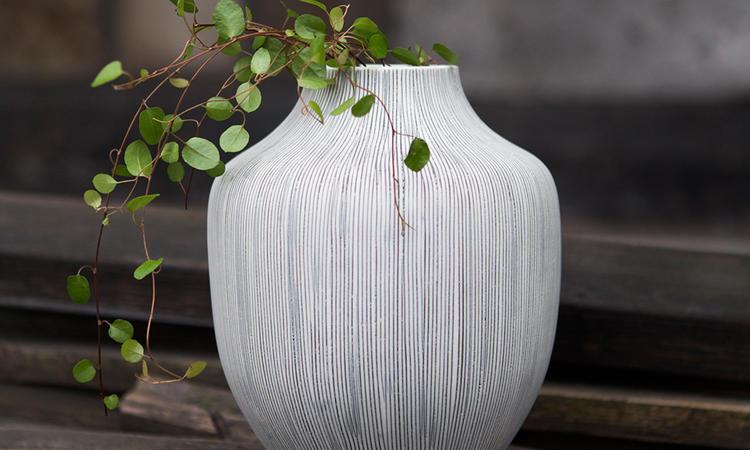 Lindforms snygga vas Kyoto finns i flera läckra, nordiska färger