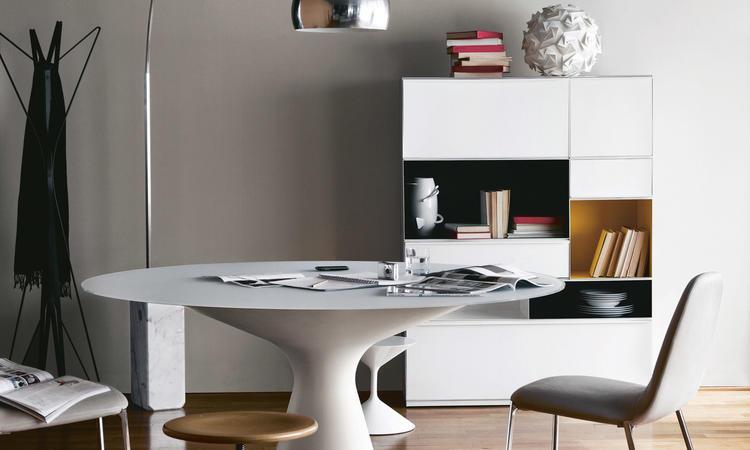 Zanotta 2577/C Blanco Matbord i komposit och vitt glas