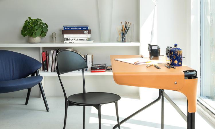 Zanotta 2740 Tucano Desk Skrivbord i cognacfärgat läder av Monica Förster