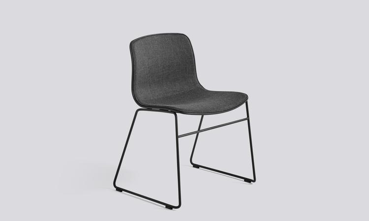 Stolen About a Chair AAC08 från HAY finns att köpa online på Olsson & Gerthel