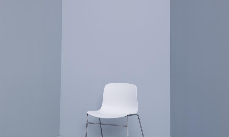 HAY och Hee Wellings stol About a Chair AAC09 i vit färg