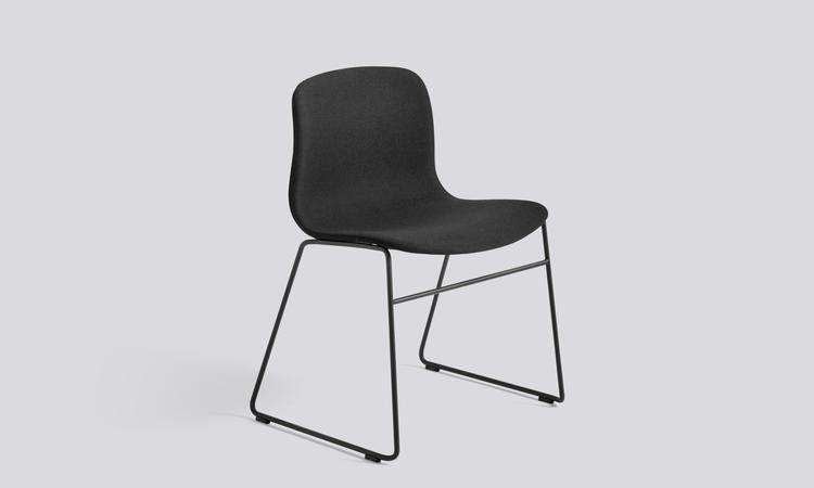 About a Chair AAC09 med tygsits och svarta ben
