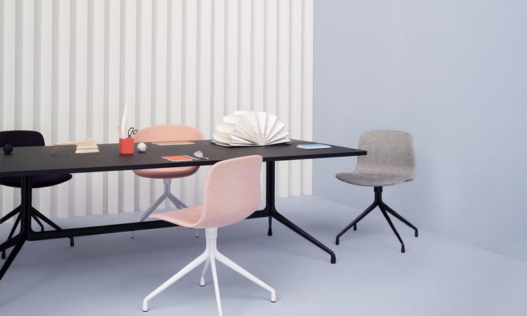 Stolen AAC10 ingår i kollektionen About a Chair från danska HAY