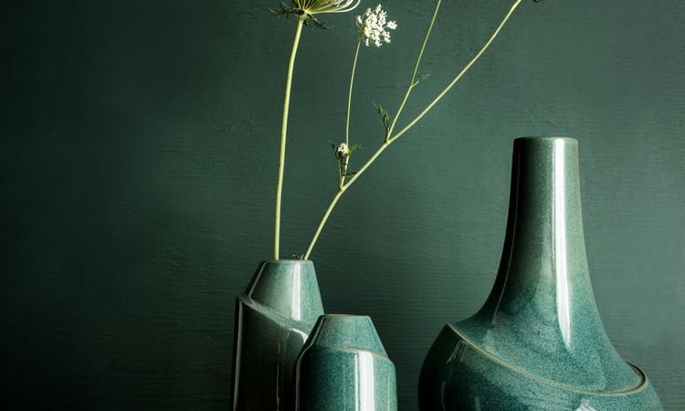 Vasen Dance är formgiven av Anna Elzer Oscarson för det egna varumärket AEO