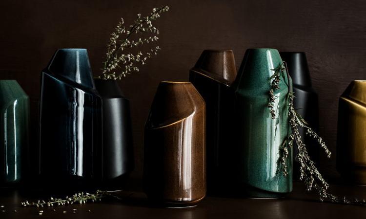 Vasen Pen från AEO i flera färger med design av Anna Elzer Oscarson