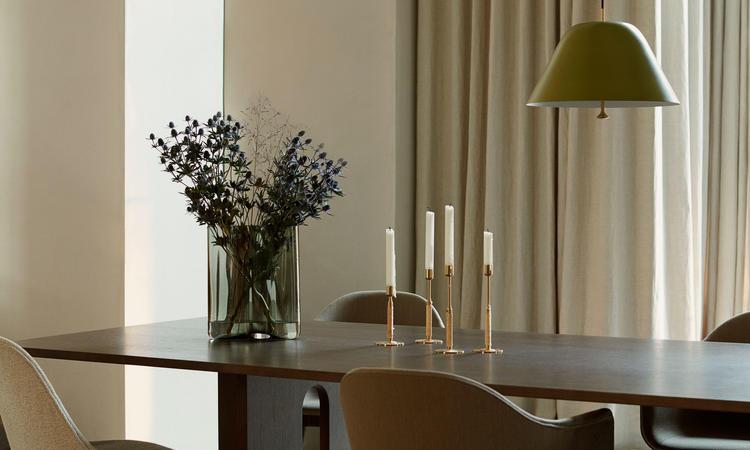 Menu Androgyne Dining Table Rectangular Matbord i ek