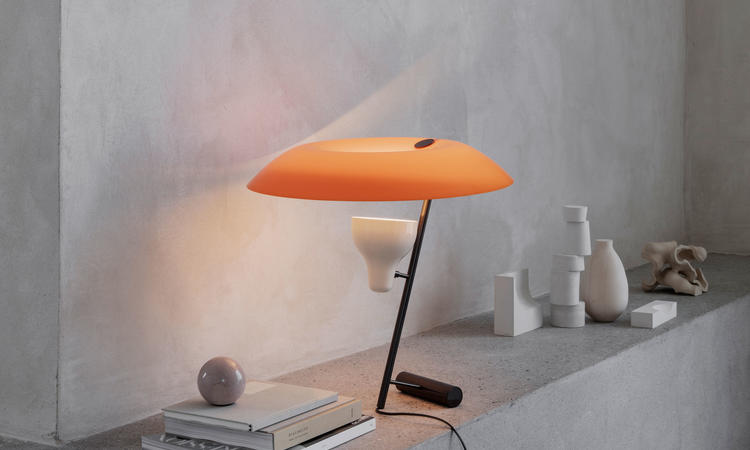 Astep Model 548 Bordslampa Orange