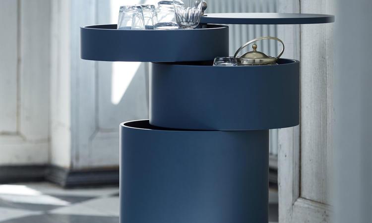 Verpan Barboy Rullbord i blå färg av Verner Panton