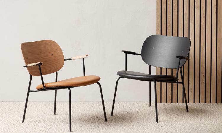 Menu Co Lounge Chair Fåtölj i mattlackad och svartbetsad ek med lädersits