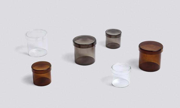 Glasburkarna Container i brunt, grått och transparent glas från danska HAY