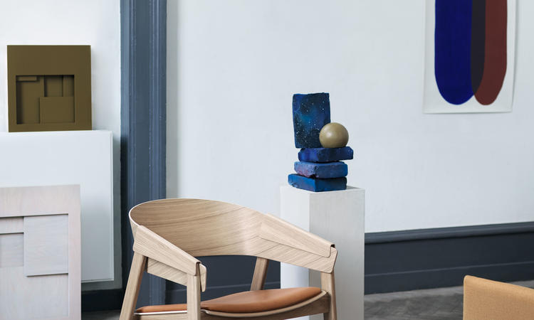 Muuto Cover Lounge Chair Fåtölj i ek och cognac läder