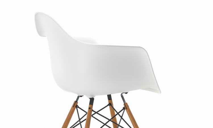 Köp din Eames-stol på Olsson & Gerthel med fri frakt
