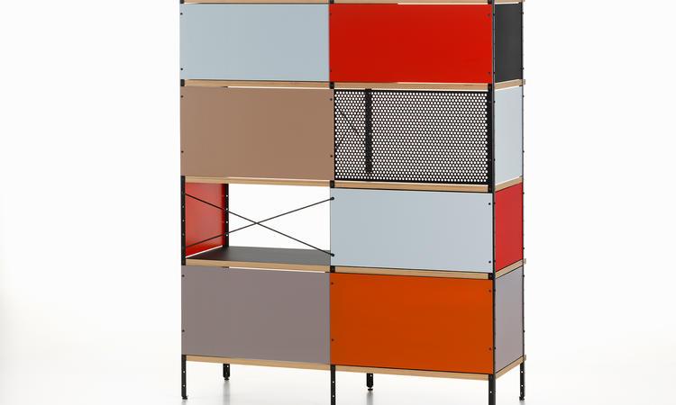 Bokhyllan Eames ESU Bookcase från Vitra har uppdaterats av Hella Jongerius