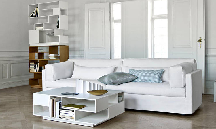 Eilersen Penthouse Reol Bokhylla i vit färg och naturlig ek
