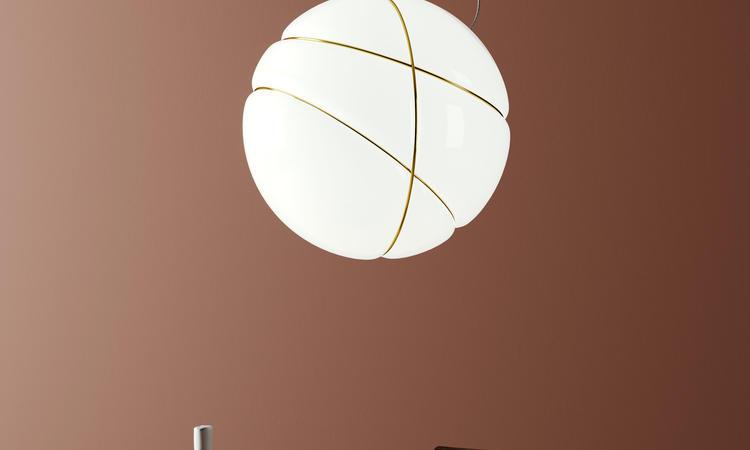 Fabbian Armilla Pendel i vitt glas med ringar i guld