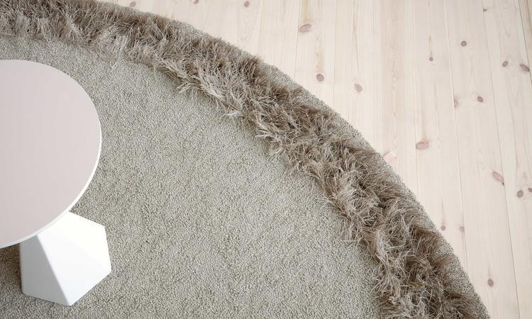 Kasthall Feather Bouclématta i färgen Heron 800