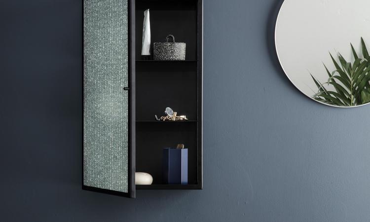 Ferm Living Haze väggskåp i färgerna svart och cashmere