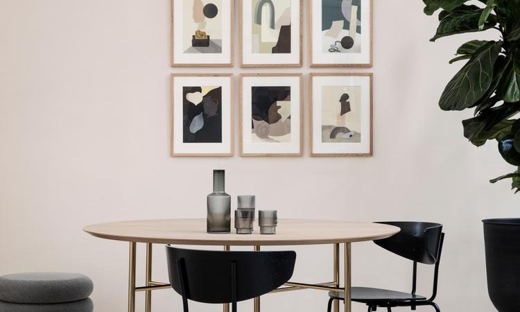 Ferm Living Herman Chair finns i flera färger hos oss