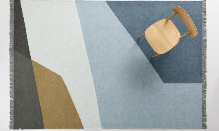 Snygg matta i nordiska färgtoner