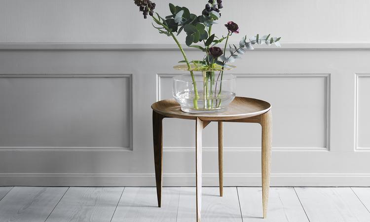 Ikebana Vas i glas och mässing från Fritz Hansen Objects
