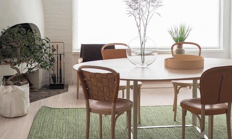 Gemla Vilda, vasen Pallo och vårt eget bord Omni © Olsson & Gerthel