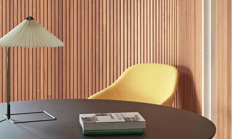 HAY Matin Bordslampa i vit färg av Inga Sempé