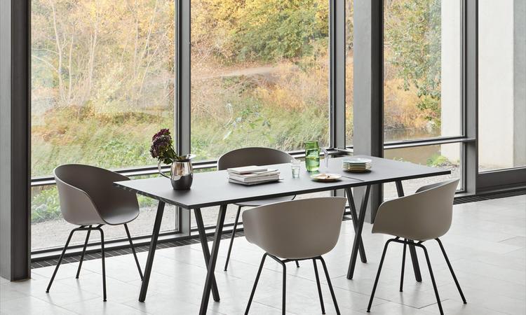 HAY Loop Stand matbord i svart färg