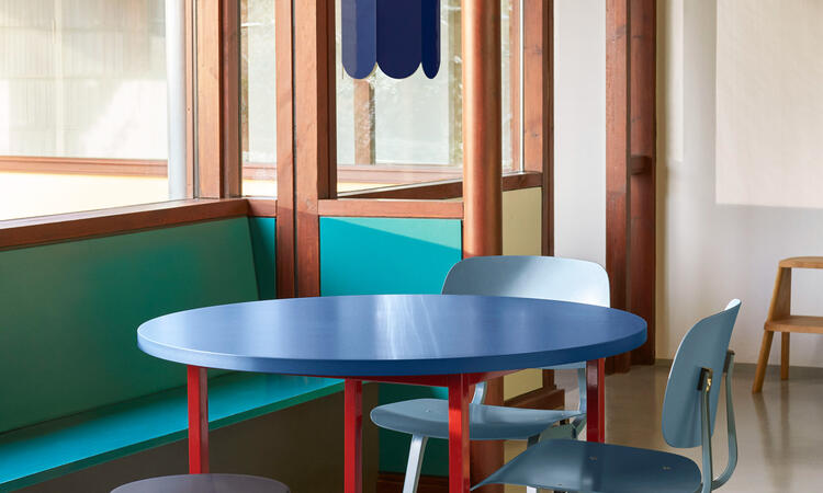 HAY Two-Colour Table Ø105 cm Maroon/Blue Water
