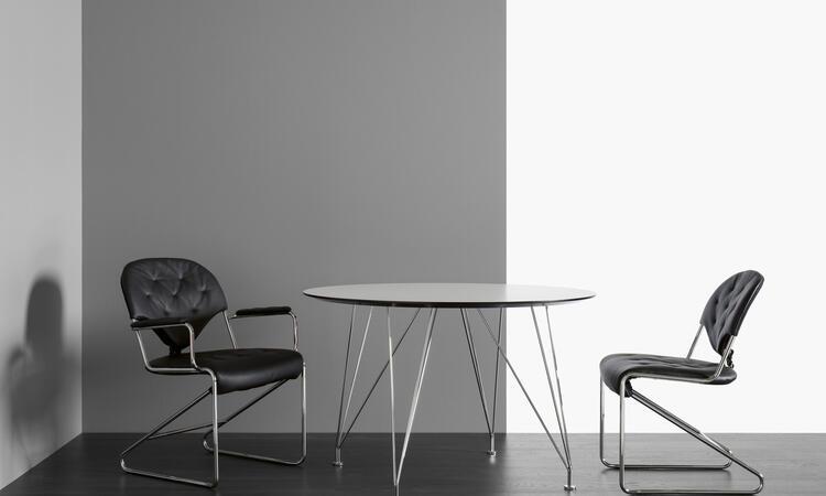DUX Inter Café i förkromat stål och vit nanolaminat
