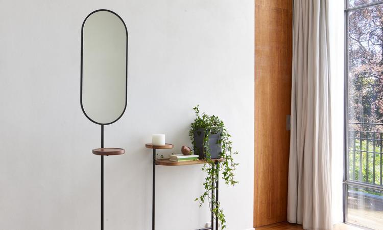 Ligne Roset Loomy klädhängare med spegel