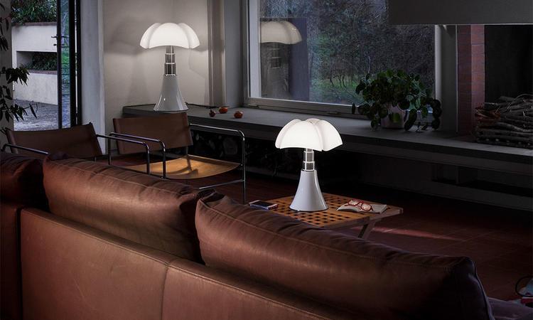 Martinelli Luce Pipistrello Bordslampa i vit färg