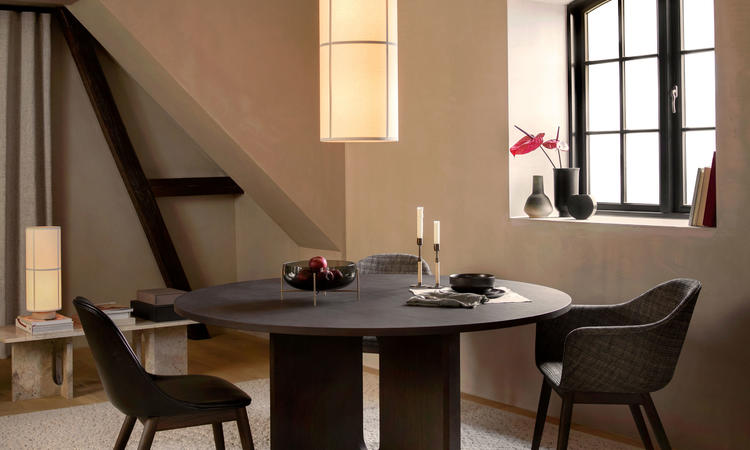 Menu Androgyne Dining Table Mattbord Stained Oak
