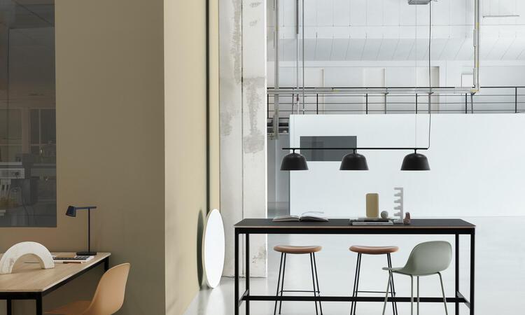 Muuto Base High Table Barbord Svart Linoleum Plywood