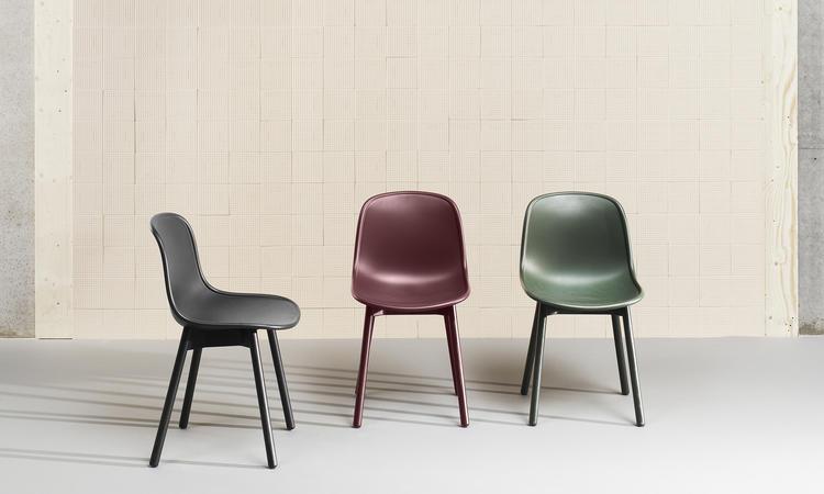 Stolen har ben i massiv ek, ask eller bok