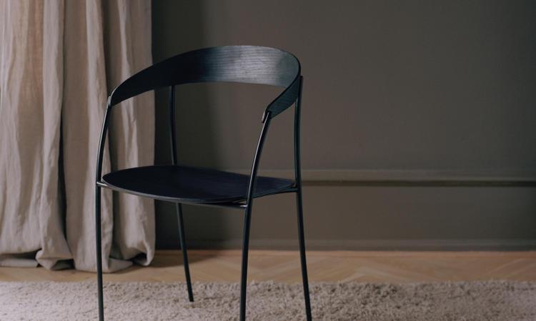 New Works Missing Chair karmstol med armstöd