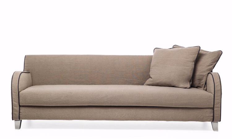 Den eleganta soffan Next 12 från Gervasoni har en längd på 220 cm