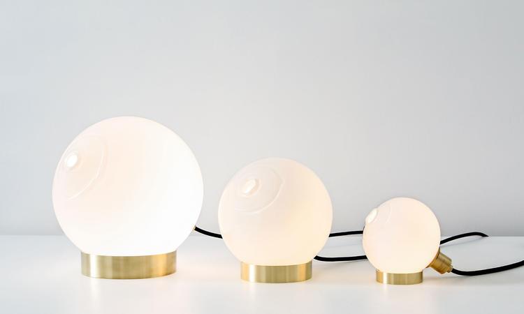SkLO Once Light Bordslampa 25, 18 och 11 centimeter i vitt glas