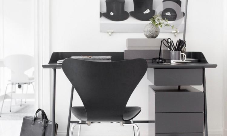Köp skrivbordet Overtime från Voice Furniture med eller utan sarg på Olsson & Gerthel