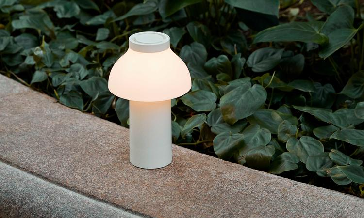 HAY PC Portable Lamp Cream White Batteridriven Bordslampa i vit färg