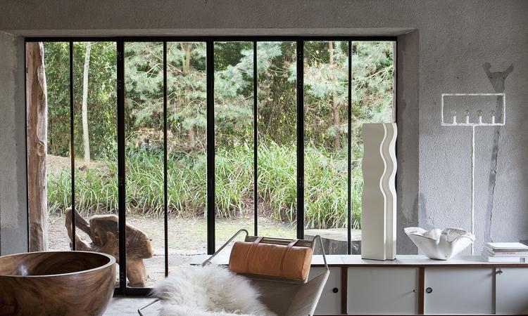 PP225 Halyard wegner living room
