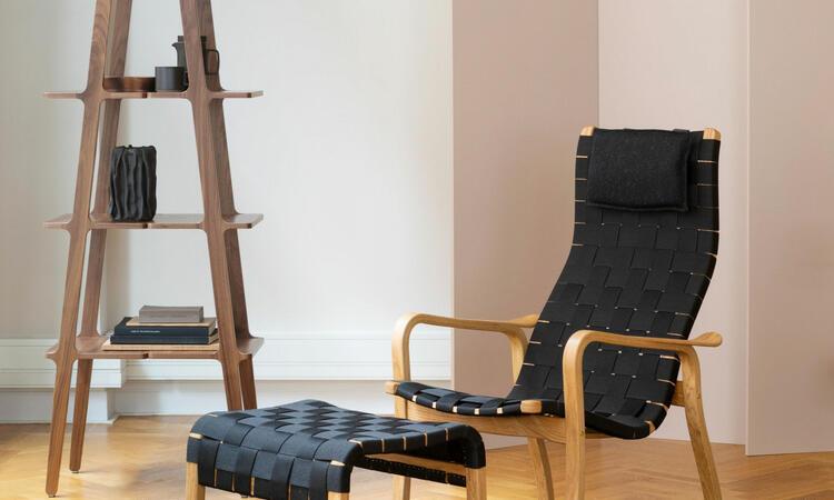 Swedese Primo Fåtölj i oljad ek och svart sadelgjord