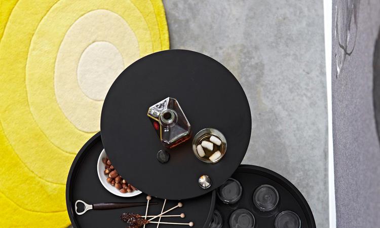 Verpan Barboy Rullbord i svart färg av Verner Panton