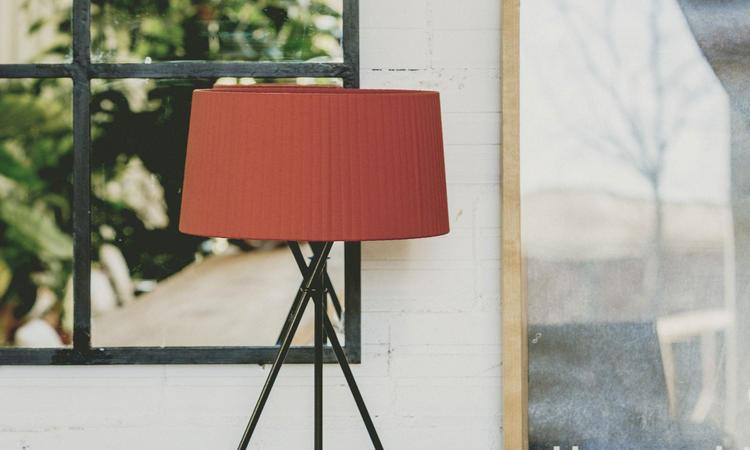 Santa & Cole Tripode M3 Bordslampa