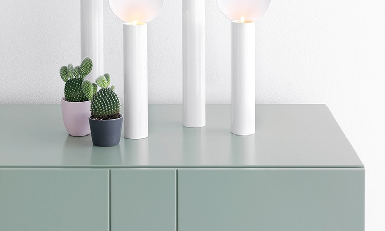 Sideboarden Kilt Light från Asplund finns i flera färger som vit, grön och grå