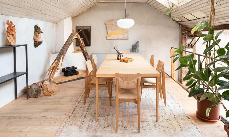 S-Table Dining Table från Gubi