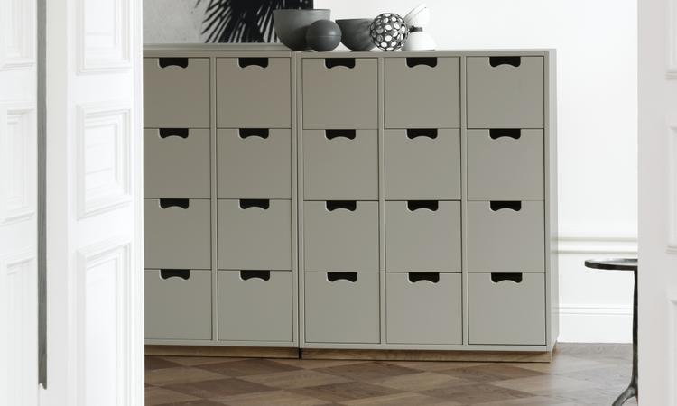 Byrå med nio lådor från Asplund