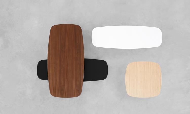 Soffbordet Solapa från Stua finns i material som ek, valnöt, Fenix och MDF